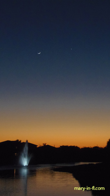 The crescent moon and Venus 04-17-2018